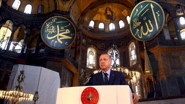 Erdoğan'dan Ayasofya açıklaması: Çıkan çatlak seslerin kıymeti harbiyesi yok