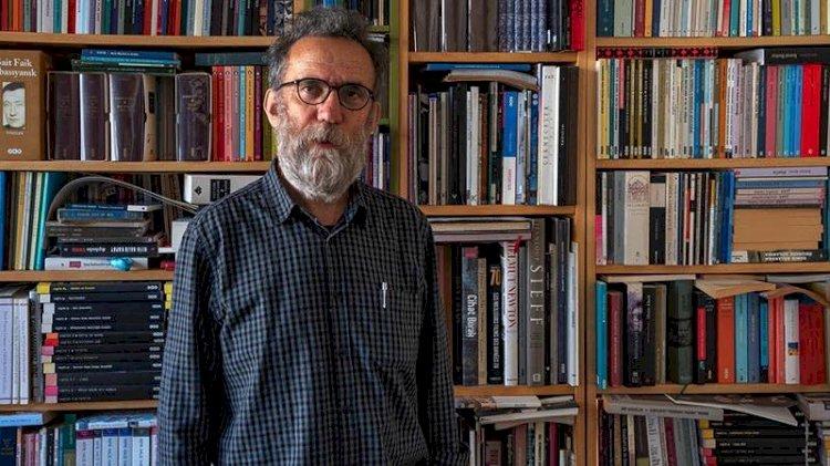 'Yetmez ama evetçi' Şair Haydar Ergülen özür diledi
