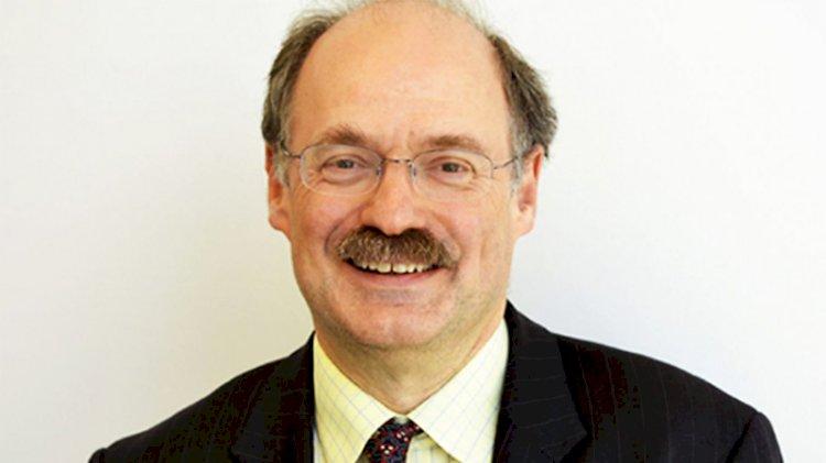 İngiltere Bilim Danışmanı: Koronavirüs sonsuza kadar kalabilir