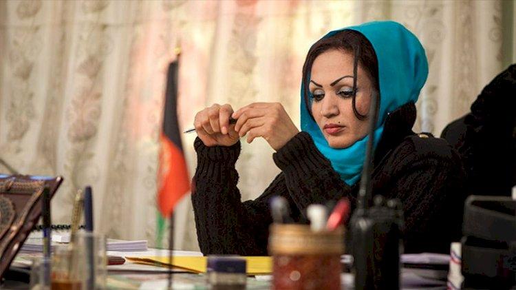 Afganistan'ın ilk kadın yönetmeni Saba Sahar, Kabil'de silahlı saldırıya uğradı