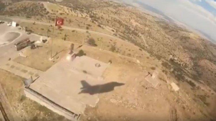 F-16 pilotumuz Kocatepe'de Başkomuta'nı böyle selamladı