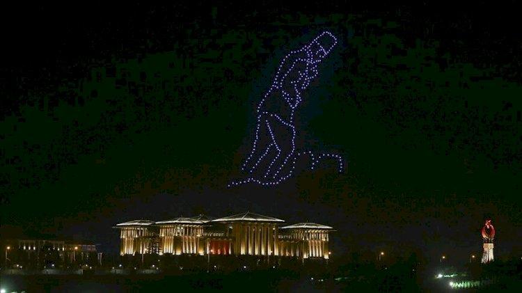 Beştepe'de Zafer Bayramı'na özel 300 İHA ile ışık gösterisi