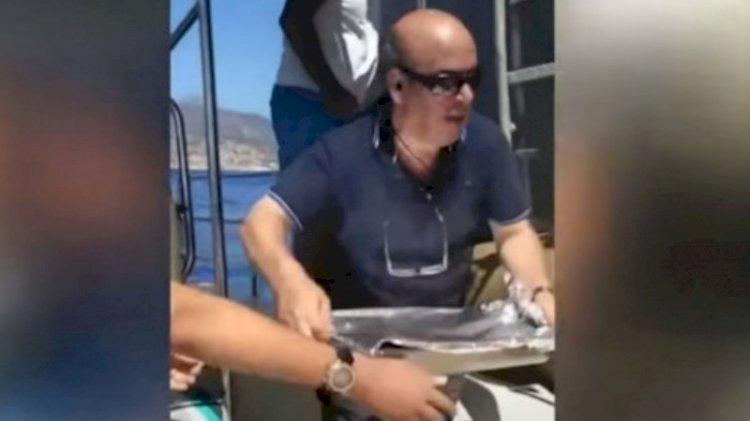 Yunan gemisi yiyeceksiz kaldı, balıkçılar yemek taşıdı