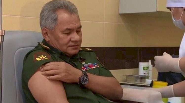 Rusya Savunma Bakanı Şoygu, koronavirüs aşısı deneyimini anlattı