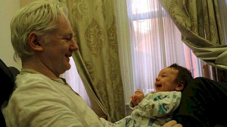 Wikileaks'in kurucusu Assange'in eşi: ABD onu hapishanede gömecek