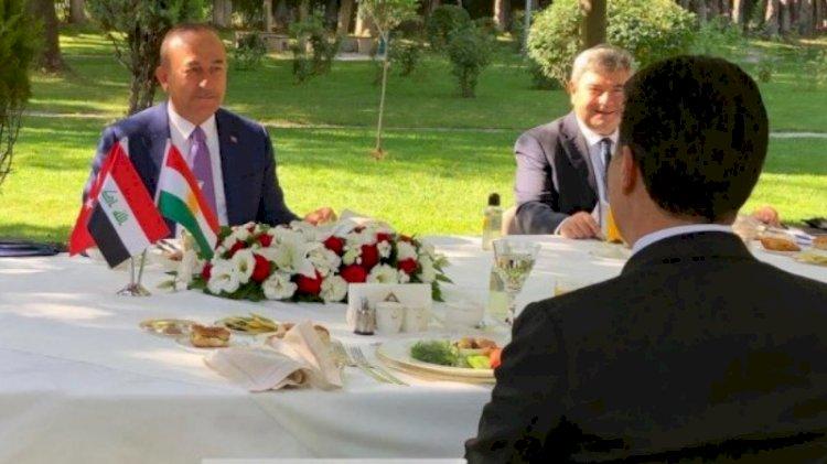 Çavuşoğlu'ndan 'Kürdistan' bayrağı savunması!