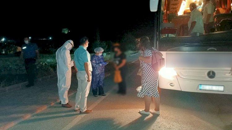 Koronavirüslü kadın otobüste yakalandı