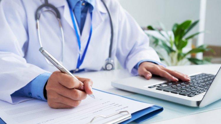 'Başörtüsü istismarı' yapan Yeni Akit o doktoru hedef gösterdi