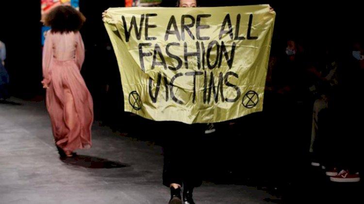 Paris Moda Haftası'nda protesto