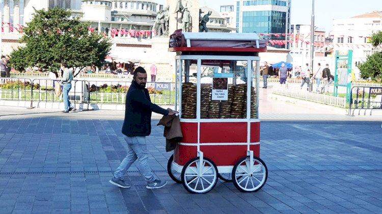 Taksim'in sembolü simitçiler için karar