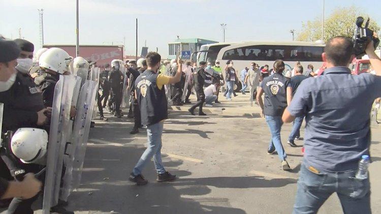 Eylem yapan minibüsçülere polis müdahalesi