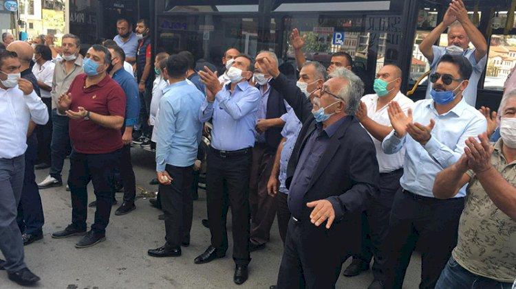 Başkent'te özel halk otobüsü şoförlerinden yumurtalı eylem