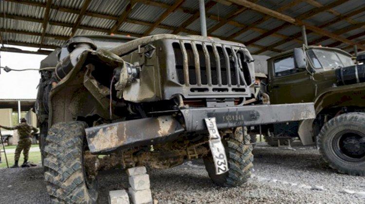 Azerbaycan, Ermeni güçlerinin kaçıp bıraktıkları askeri araçları paylaştı