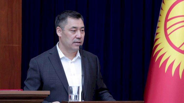 Kırgızistan'da cezaevinden çıkarılan Sadır Caparov'un başbakanlığı ve kabinesi onaylandı