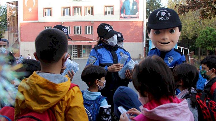 İstanbul'da 2. aşama eğitim başladı, polis denetimleri sıkı tuttu