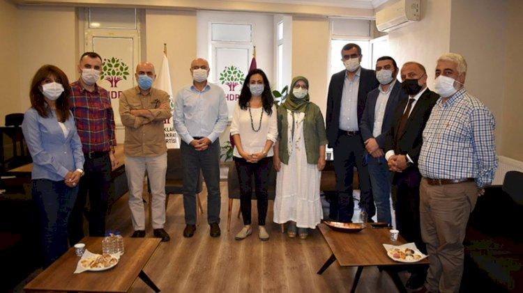 CHP'den HDP'ye bir geçmiş olsun ziyareti daha