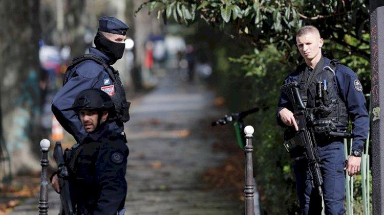 Fransa'da vahşet: Öğretmenin başını kesti