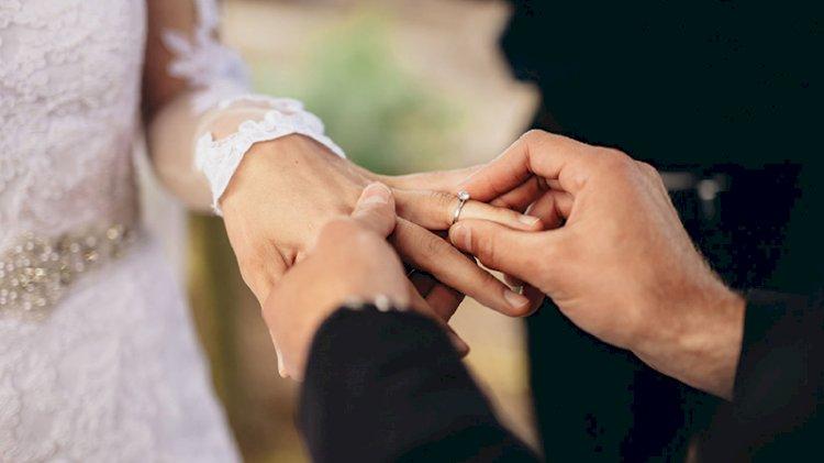 Araştırma: Kadınlar neden hala eşlerinin soyadını alıyor?