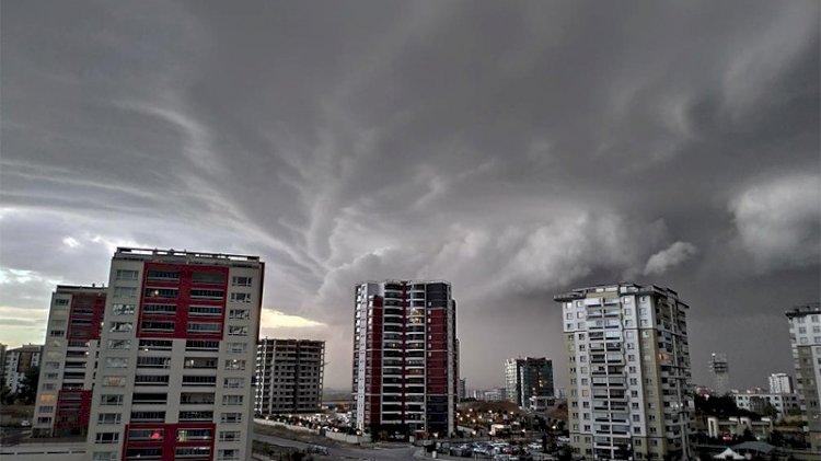 Ankara'da beklenen yağmur etkisini gösterdi