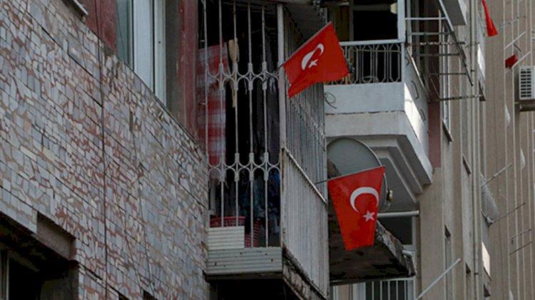 İskenderun'daki patlamanın ardından teröre 'Türk bayraklı' tepki