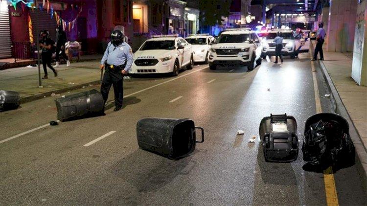 Philadelphia'da siyah gencin öldürülmesinin ardından gece sokağa çıkma yasağı ilan edildi