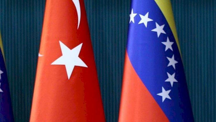 Venezuela 29 Ekim'i kutladı: Yaşasın Türkiye!
