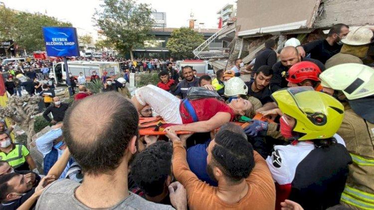 Deprem İzmir'i yıktı