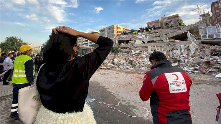 Son dakika... İzmir yine sallandı! Ege Denizi'nde 5 şiddetinde deprem