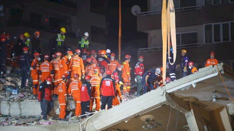 İzmir'de 33 saat sonra mucize kurtuluş