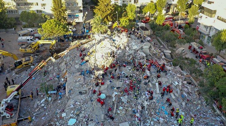 İzmir depreminde can kaybı 76'ya yükseldi