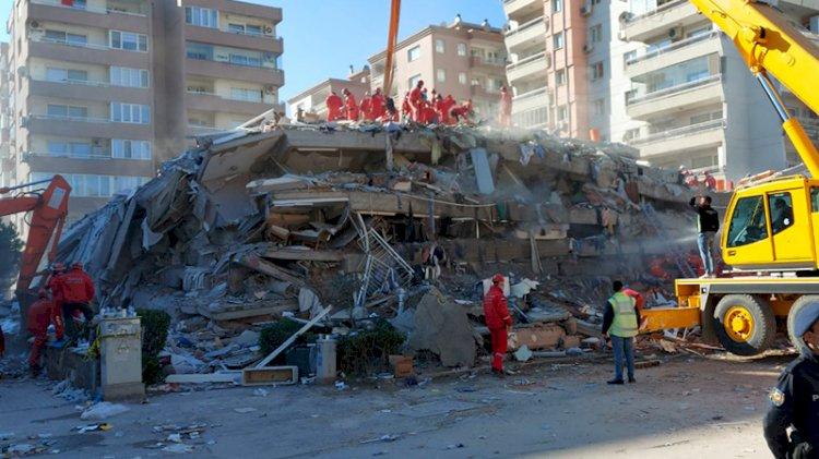 Rıza Bey Apartmanı enkazındaki kurtarma çalışmaları tekrar başladı