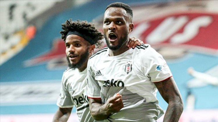 Beşiktaş bir attı üç aldı