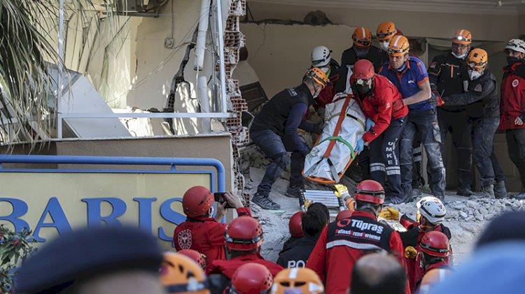 İzmir'deki depremde kurtarma çalışmaları devam ediyor