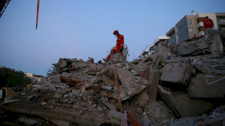 O ilçede 208 bina için çürük raporu verilmiş! Teki bile yıkılmamış...