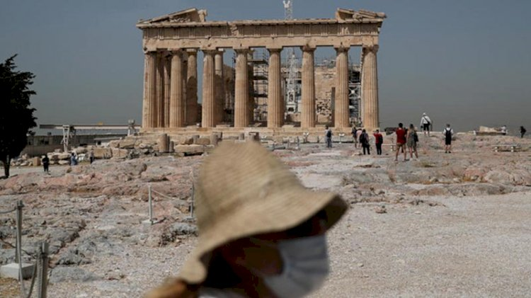 Yunanistan karantinaya girdi