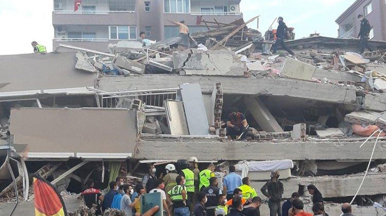 Bakan Kurum'dan İzmir açıklaması: Acil yıkılacak ve yıkık bina sayısı 309