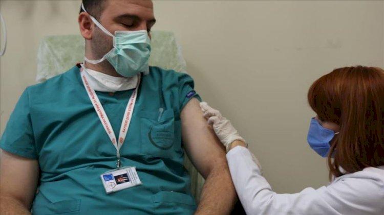 Covid-19 aşısında yeni açıklama: Yüzde 90 etkili