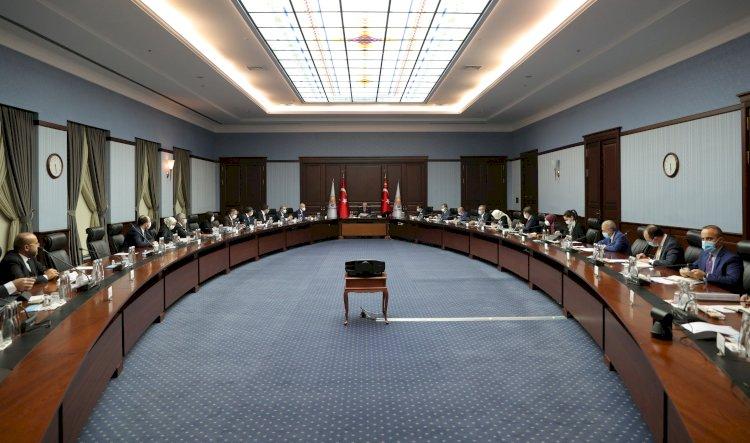 AKP'de gözler MYK'dan sonra yapılacak açıklamada