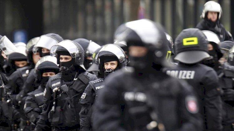 Alman polisinde ırkçılık araştırması: Bugün Türk avına çıkalım