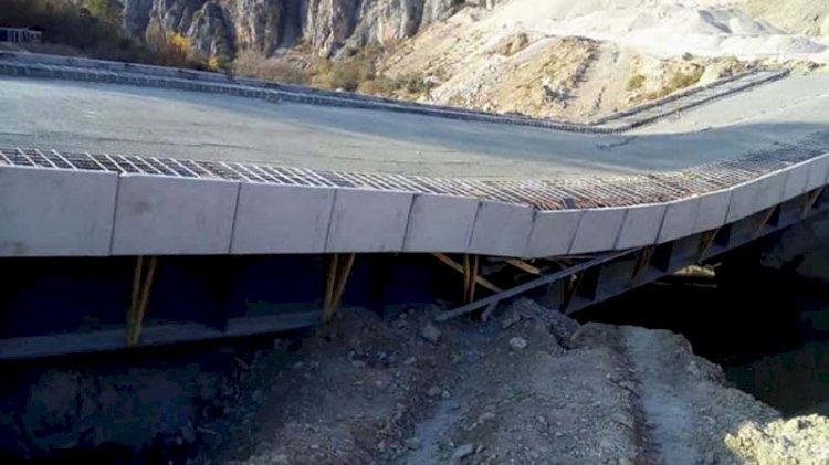 AKP'li belediyenin yaptığı köprü açılmadan çöktü