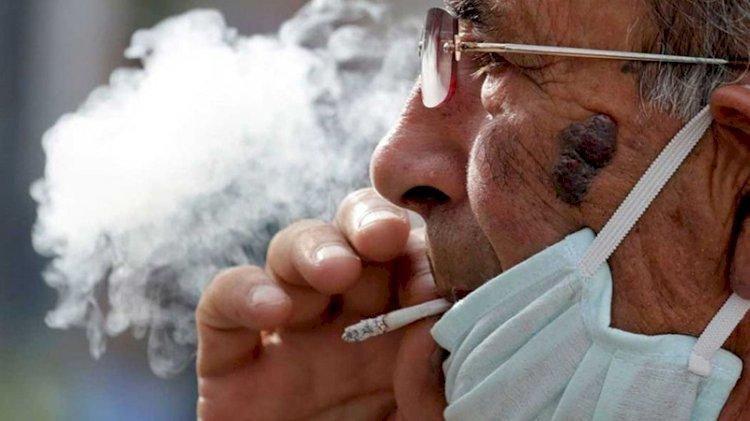 Sigara içenler 3 kat daha risk altında!