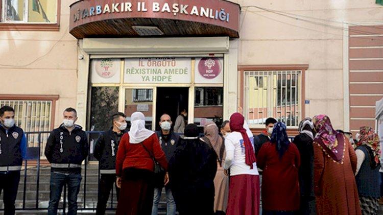 Evlat nöbetindeki ailelerden HDP'lilere: Çocuk hırsızları