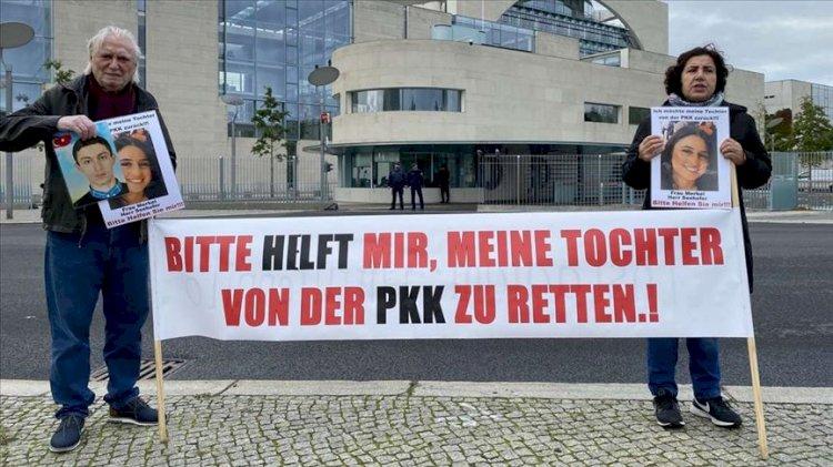 Almanya'da PKK'ya karşı evlat nöbeti tutan anneden imza kampanyası