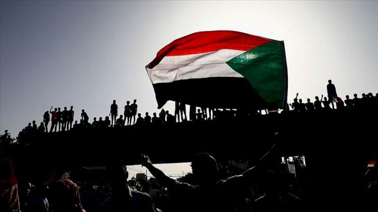 Sudan'da İngiliz elçinin sınır dışı edilmesi talep edildi