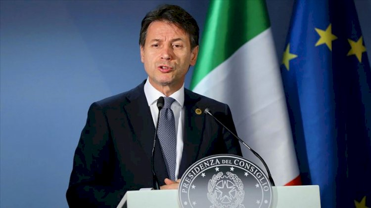 İtalya: Dünya yol ayırımında