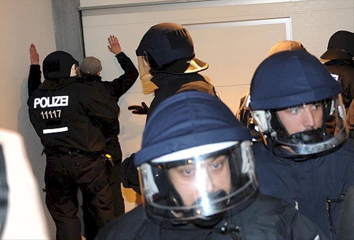 Almanya'da polis teşkilatına 'ırkçılık' operasyonu