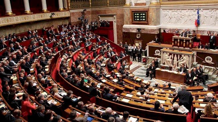 Fransa'da tartışmalı yasa tasarısı kabul edildi