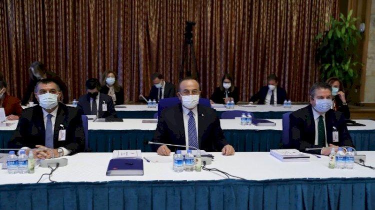 Bakan ile milletvekili arasında 'ağzına biber sürerim' atışması