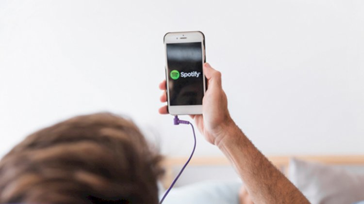 Spotify hack'lendi: Yüz binlerce hesap ele geçirildi