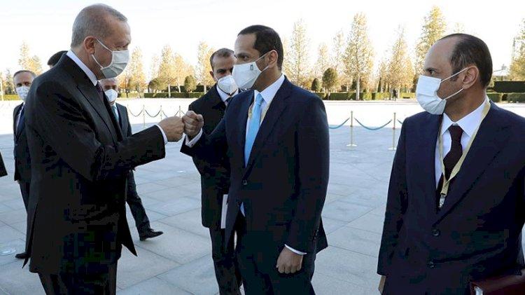 Erdoğan, Katar Emirini törenle karşıladı